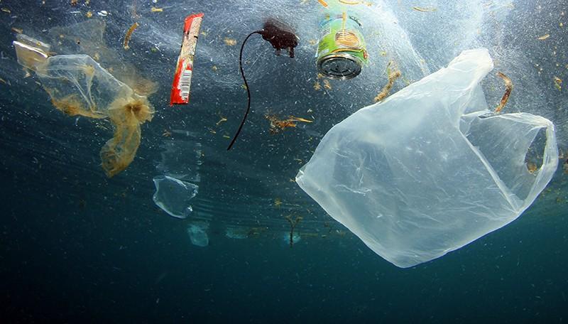 Плавающий мусор в океане