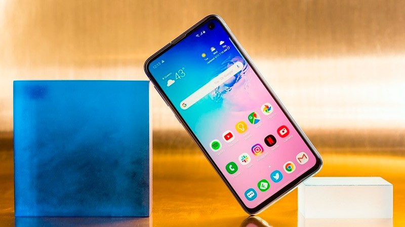 Samsung Galaxy M40 фото
