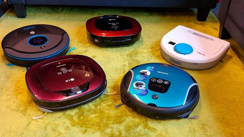 Несколько роботов-пылесосов