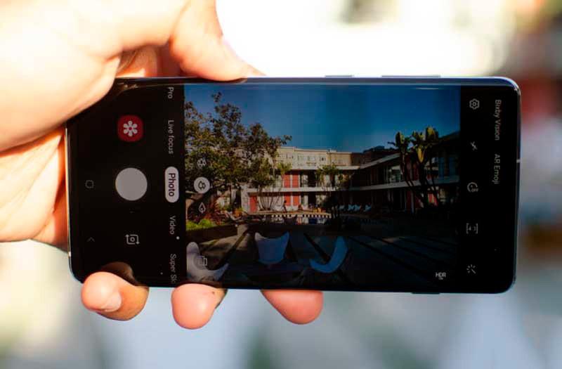 Камера Galaxy S10 Plus