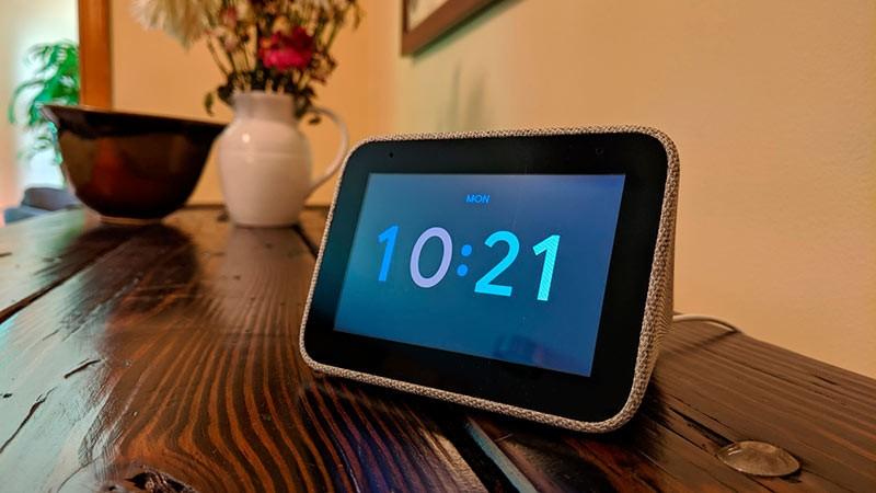 Lenovo smart clock фото
