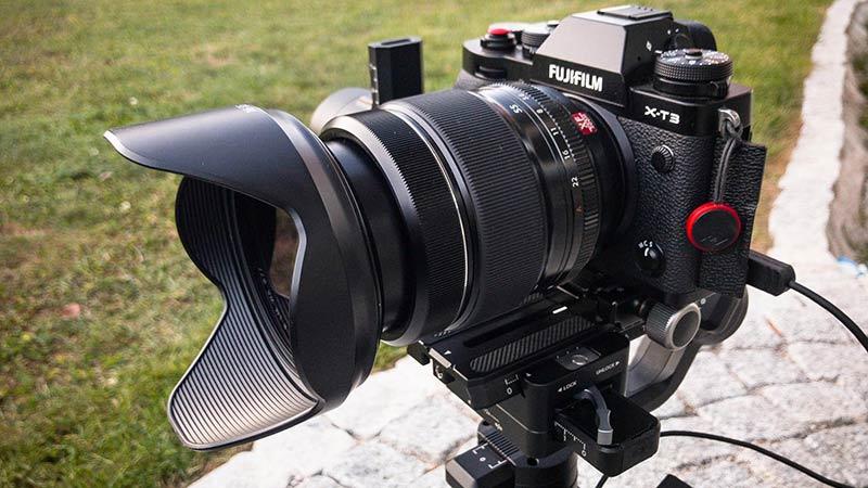 Fujifilm X-T3 на штативе