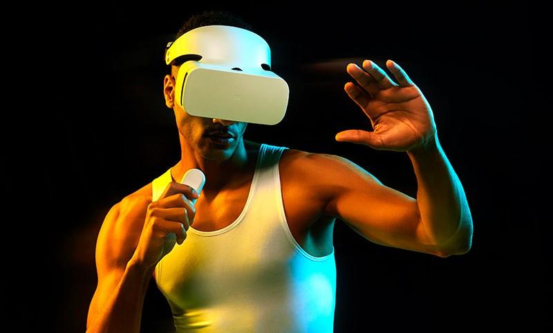 Xiaomi MI VR 2 на мужчине