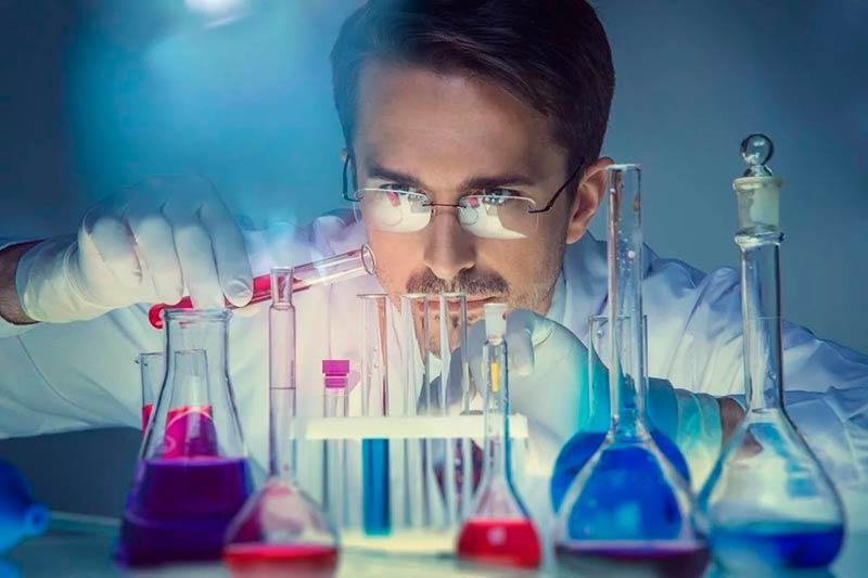 Химический инженер фото