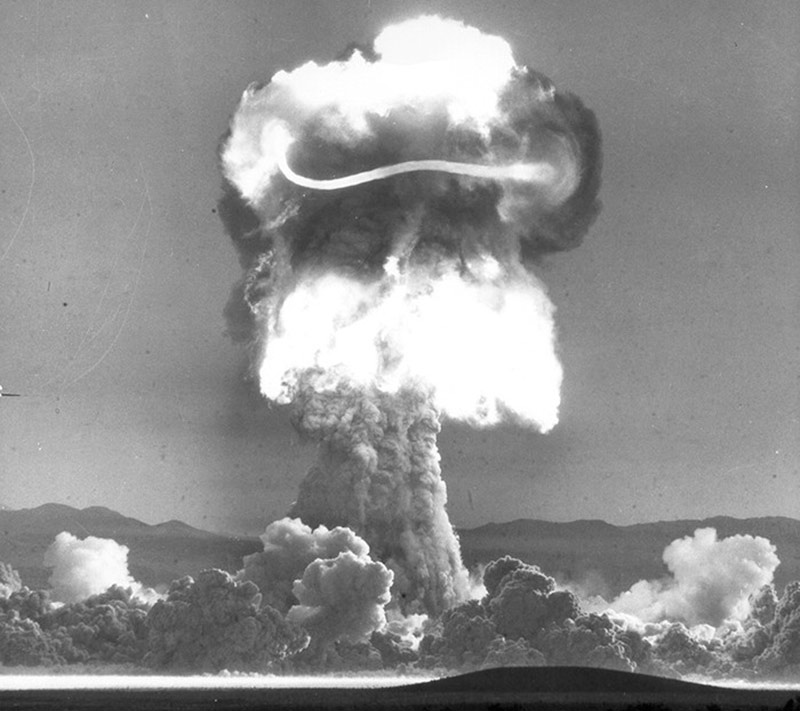 Взрывной гриб фото
