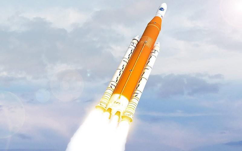 Ракета SLS фото