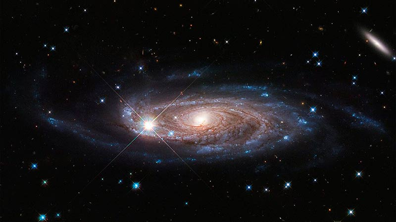 Галактика UGC 2885 фото