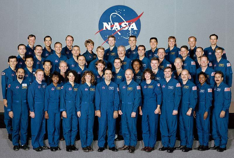 Специалисты НАСА фото