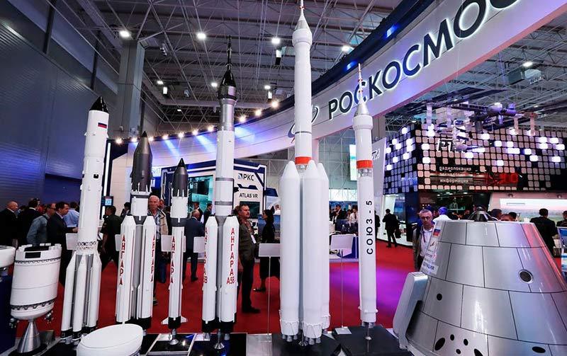 Выставка Роскосмоса фото