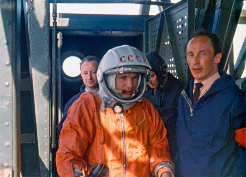 Гагарин перед полетом фото