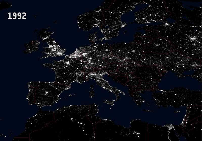 Как выглядит Земля ночью из космоса?