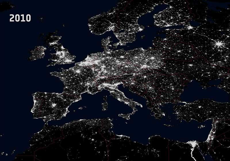 Ночная Земля в 2010 году фото