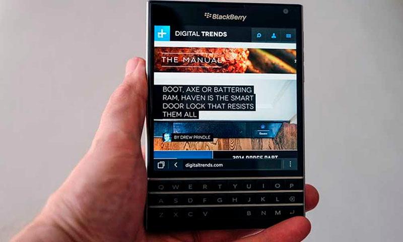 BlackBerry Passport фото