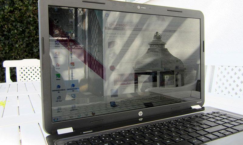 Ноутбук с глянцевым дисплеем фото