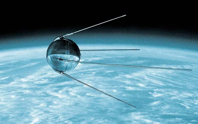 Первый спутник в мире фото
