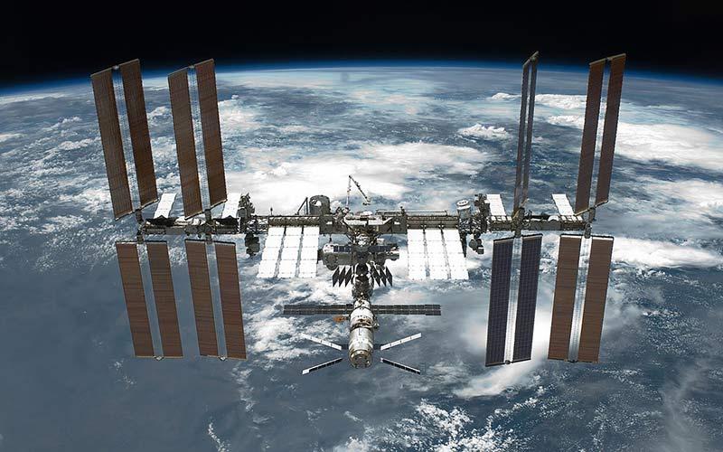 Международная космическая станция фото